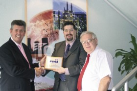 MD Willie Duncan and Marketing Manager Mike Perkins being presented with a BVAA Membership Plaque by