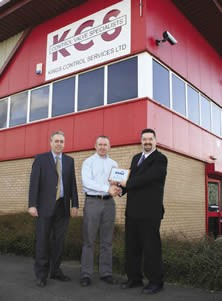 Peter Dix (Tyco Valves & Controls) and John Kett of Kings Engineering Services receiving their BVAA Member plaque from BVAA Director, 