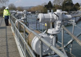 Rotork IQ3 electric actuators and MTW gearboxes have been installed on Hambleden Weir on the River Thames.